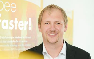 Mitarbeiter Foto Markus Kronenwett 400x250 - Innovabee-Branchenlösungen auf Basis von SAP S/4HANA erneut von SAP qualifiziert