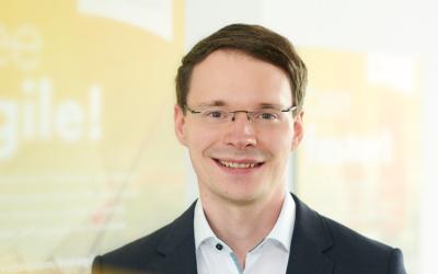 mitarbeiter christian schweizer 400x250 - Innovabee-Branchenlösungen auf Basis von SAP S/4HANA erneut von SAP qualifiziert