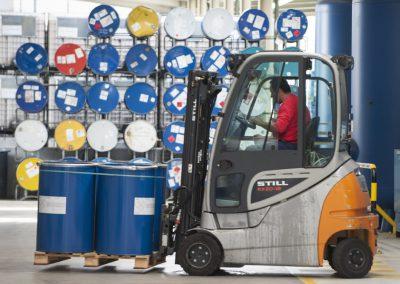 News Foto Pfinde Arbeiter 400x284 - Garantiert rostfrei: Pfinder entscheidet sich für Innovachem als neues ERP-System