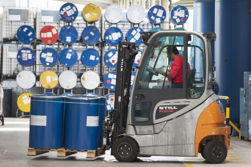 News Foto Pfinde Arbeiter - Garantiert rostfrei: Pfinder entscheidet sich für Innovachem als neues ERP-System
