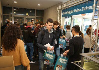 "News Foto Traumberuf IT Technik 2019 1 400x284 - ""Traumberuf IT & Technik"": Schüler informieren sich über duales Studium bei Innovabee"