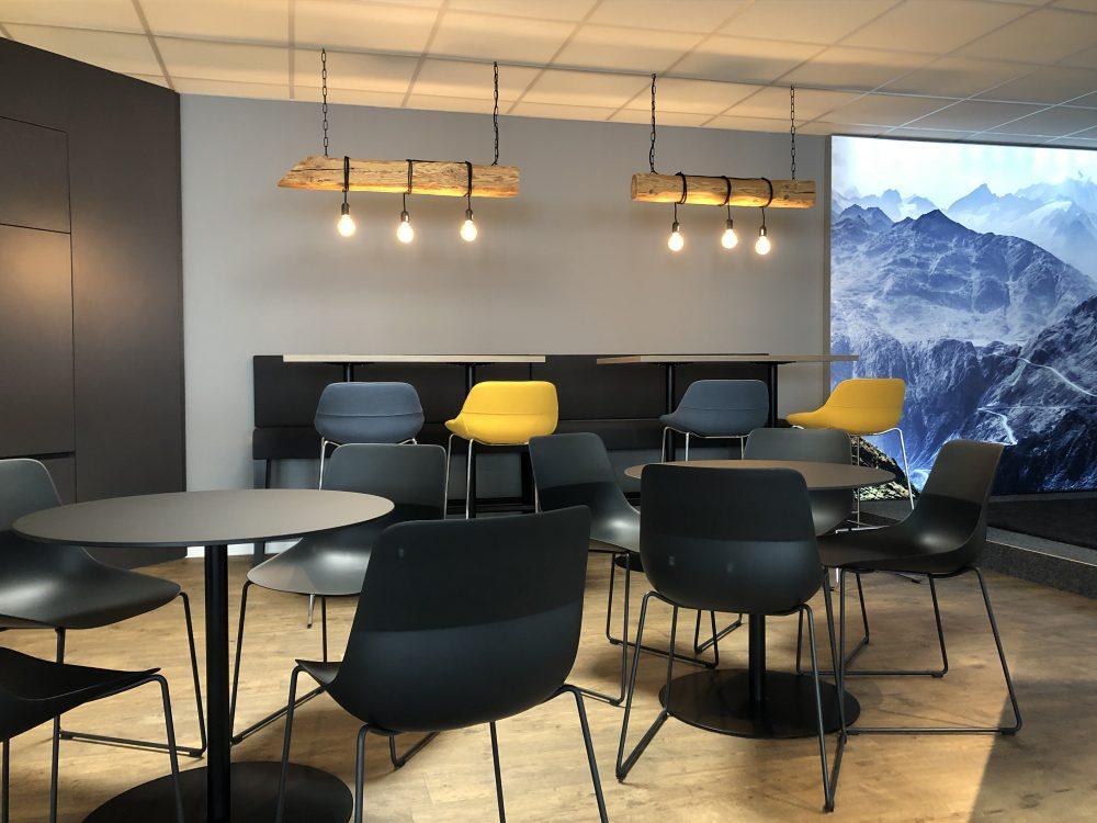 News Foto  Lounge 2 e1571304358397 - Gepflegt chillen und arbeiten: Innovabee weiht neue Lounge ein