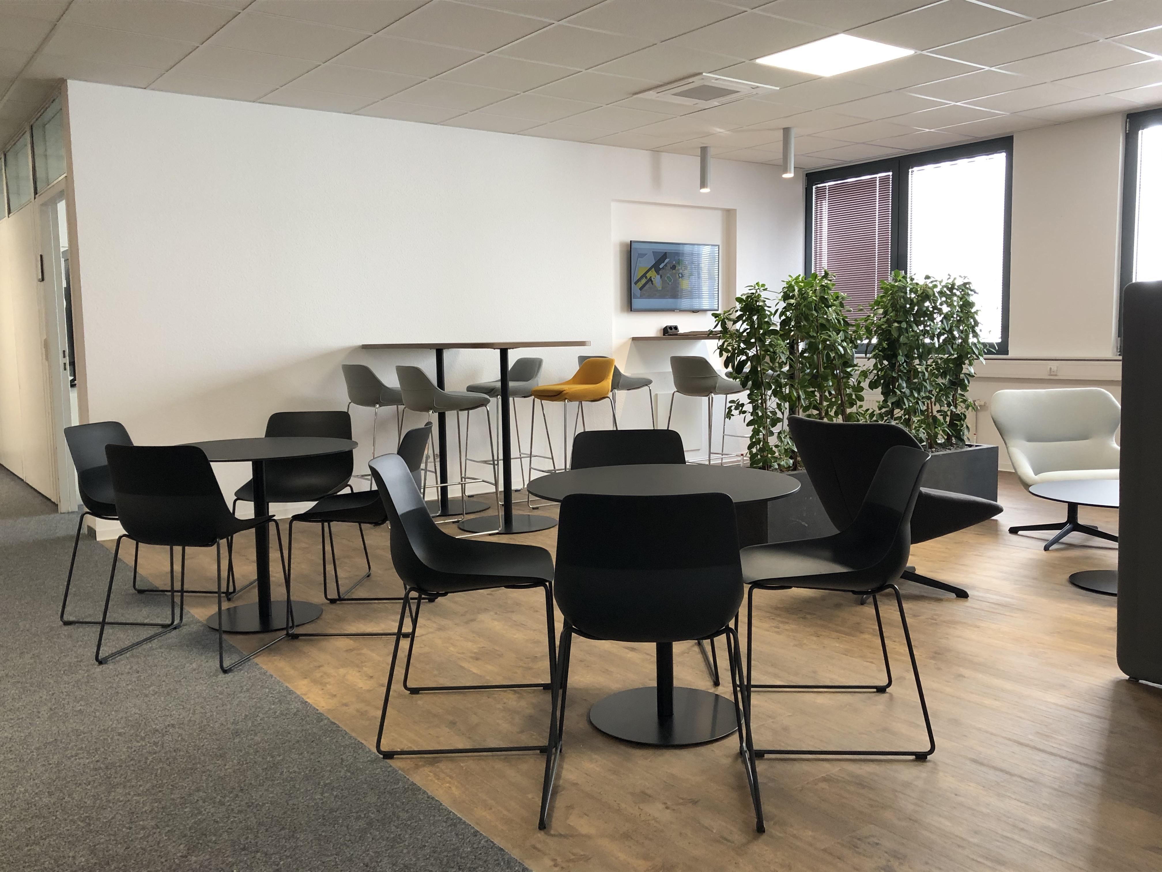 News Foto  Lounge 5 - Gepflegt chillen und arbeiten: Innovabee weiht neue Lounge ein