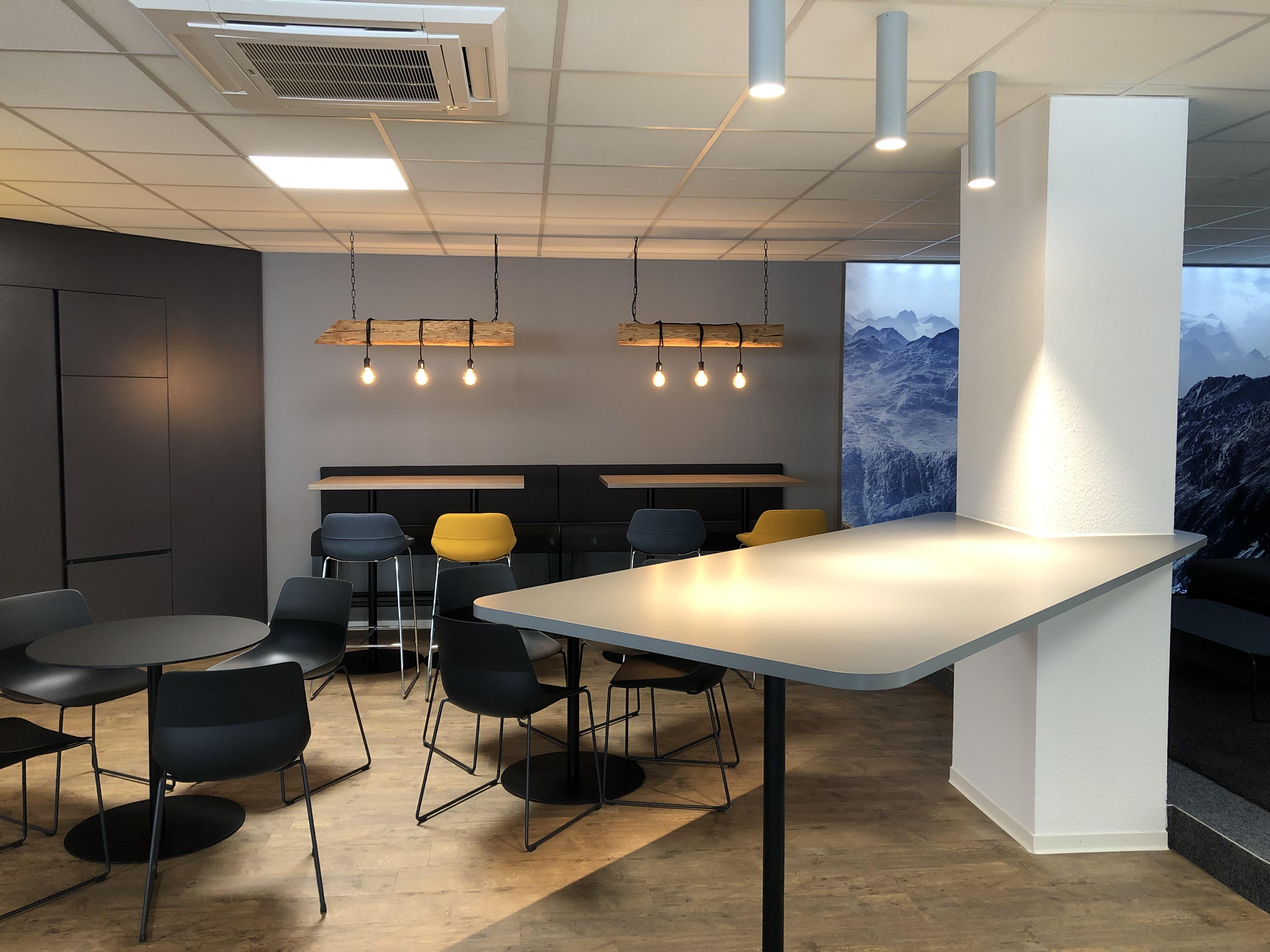 News Foto  Lounge - Gepflegt chillen und arbeiten: Innovabee weiht neue Lounge ein