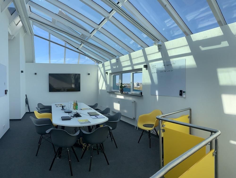 News Foto Umzug Hamburg Glockengiesserwall 15 - Innovabee wächst und bezieht neues Büro in bester Hamburger Citylage
