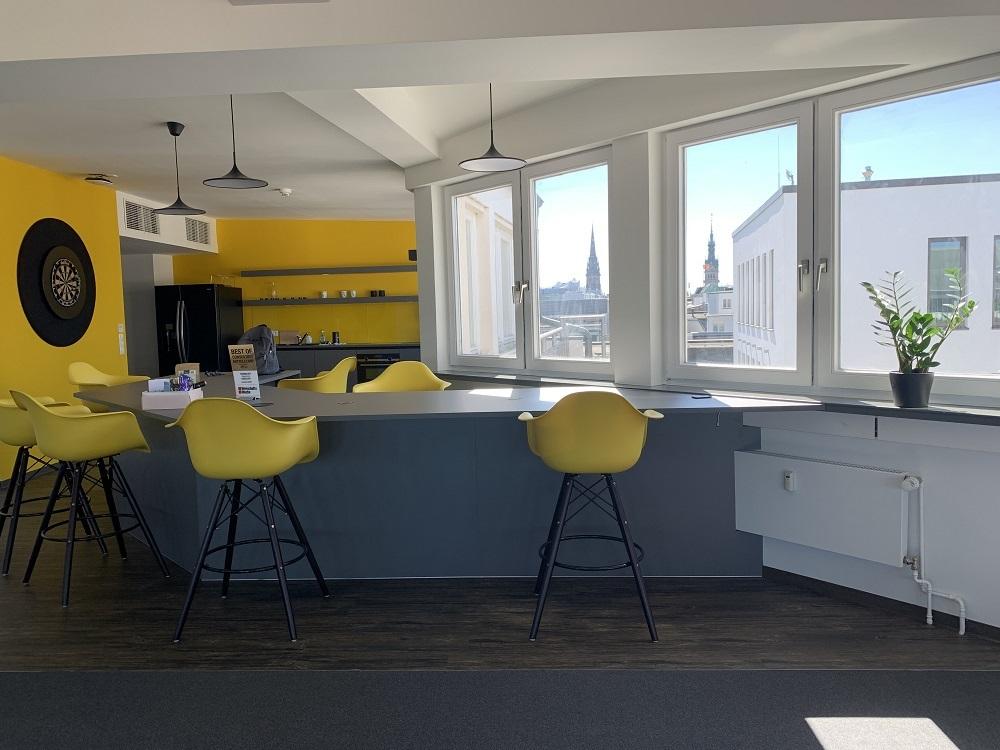 News Foto Umzug Hamburg Glockengiesserwall 7 - Innovabee wächst und bezieht neues Büro in bester Hamburger Citylage