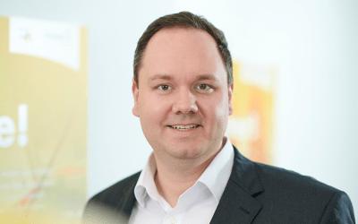 Mitarbeiter Foto Philipp Sieg 800x500 400x250 - Innovabee-Branchenlösungen auf Basis von SAP S/4HANA erneut von SAP qualifiziert